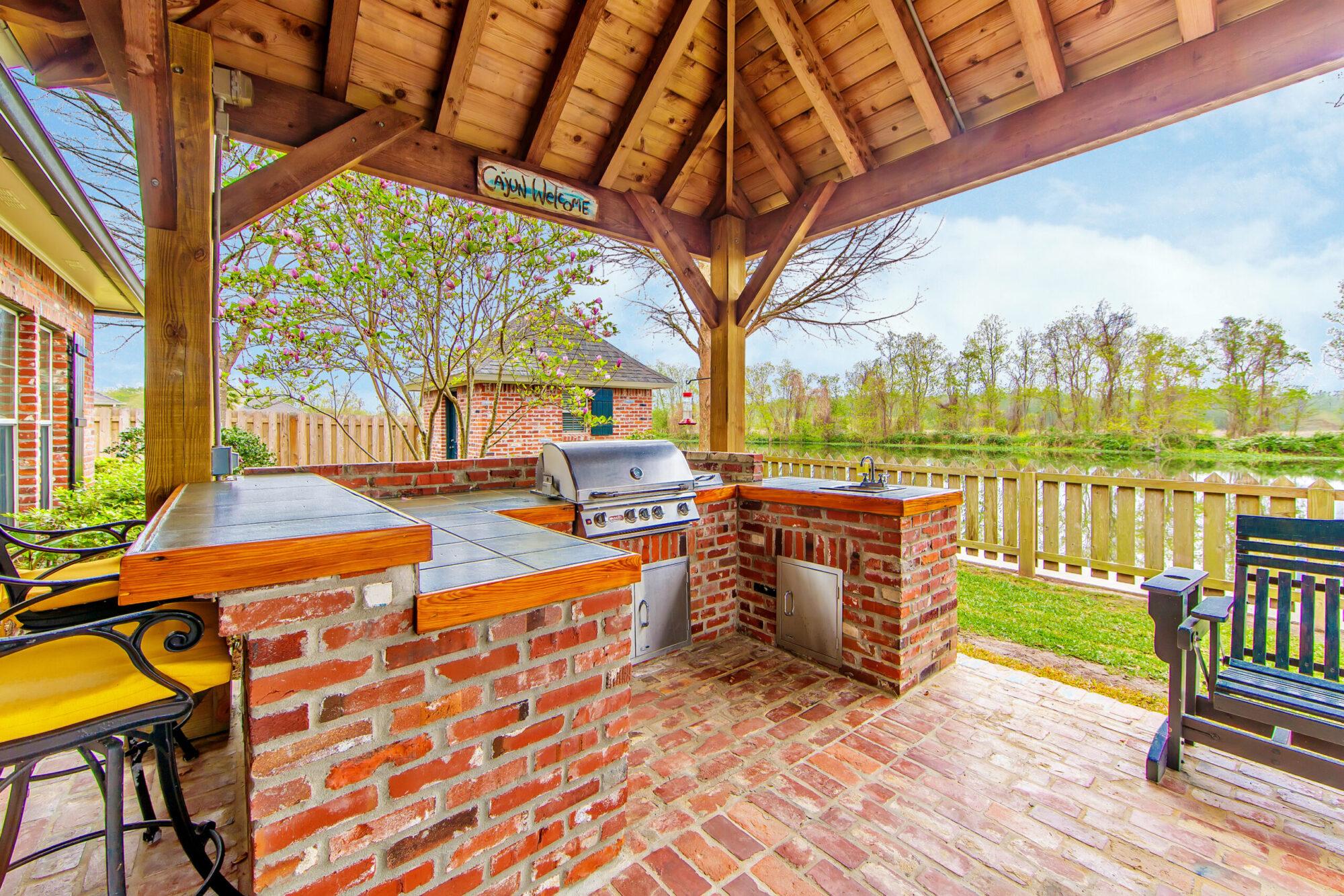 outdoor kitchen builder maryville il